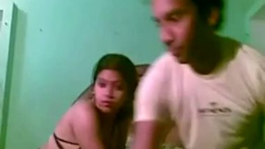 Cam sex video with horny slut at home