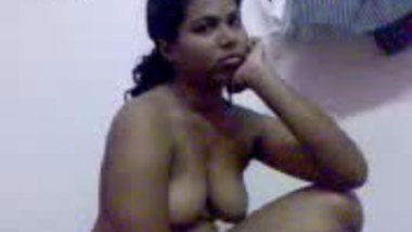 Desi girl Silja nude video captured by her client MMS