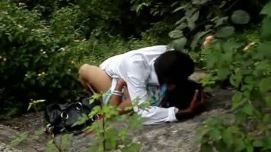 Telugu girl outdoor free porn sex in forest scandal