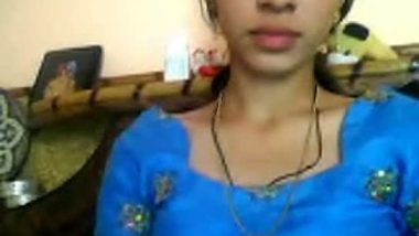 Desi girl topless show for her lover