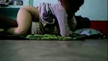 Village girl fucking on floor