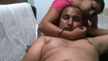 Desi sexy maid giving hard hand job to her owner