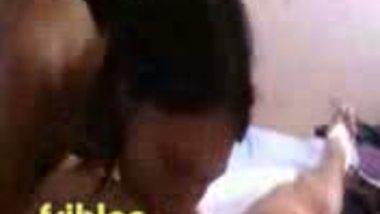 Nri Desi sexy bhabi fucked by hubby�s friend MMS