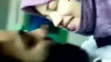 Paki hijab college girl fucked by senior in study room mms