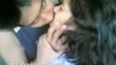 Bangla Couple Hot Kiss Scandal