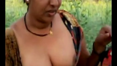 Mallu Village aunty outdoor sex with lover