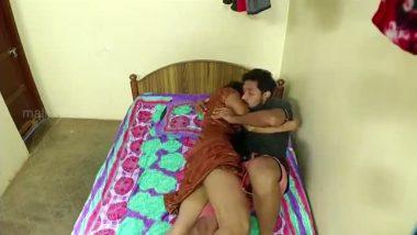 Bollywood sex presents mallu aunty romance with devar in masala clip