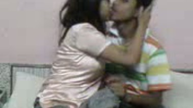 Desi college girl first time home sex with lover