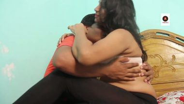 Punjabi mature aunty romance with young boy