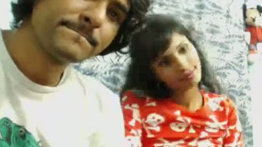 Desi maid getting romantic on cam show with owner