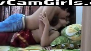 Hot Indian Hindu Babe Makes A Sextape With Her Muslim Lover