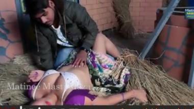 hind hot short hot bhabhi kheto me pakadli - vpkat