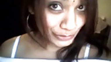 Exotic hot Indian bitch on webcam squishes her big boobies