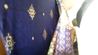 tamilnadu aunty handjob in public crowd