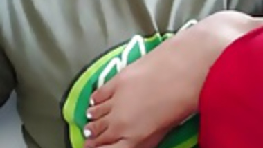 Sucking her sweet indian toes
