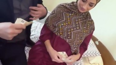 Arab teen hijab No Money, No Problem