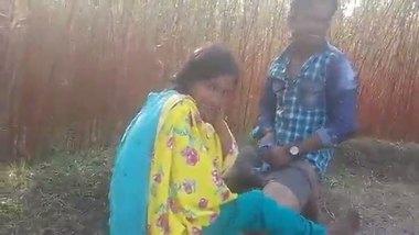 Desi outdoor xxx sex village girl fucked by neighbour