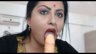 XXXporn mms Big boobs Punjabi aunty with dildo