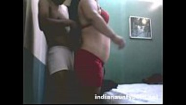 Desi randi banged by a virgin college guy