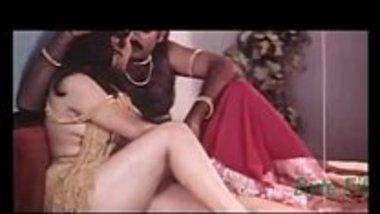 Telugu porn actress Reshma showing her boobs