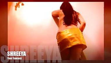 Bollywood Actress Shreeya's Dance