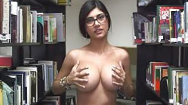 So Be Silent Mia Khalifa At The Library Making Out