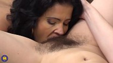 NRI bhabhi sucking the hairy pussy of her maid