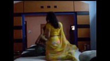 Sexy Gujarati bhabhi with chubby boobs sucking dick