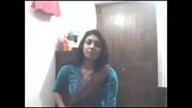 Sexy Kerala girl showing big boobs and masturbates