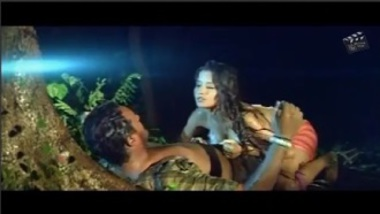 Hot Monalisa Sex Scene From Bhojpuri Movie
