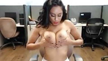 Sexi Desi Bitch on Skype 3