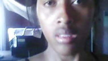 Horny mauritian girl...