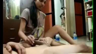 Desi Blowjob By A Lovely School Girl