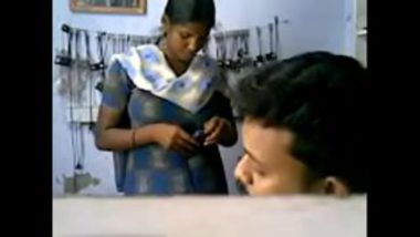 Hot MMS Of Girl In Pondicherry Mobile Store