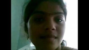 Desi Hostel Girl Showing Boobs