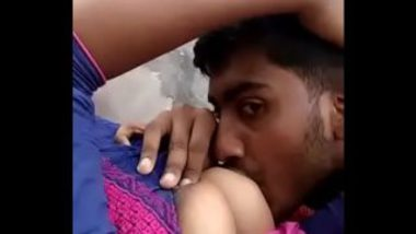 Sexy MMS Of Desi Guy Sucking Breasts