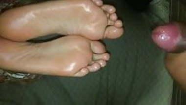 foot mistress slow motion footjob cumshot!!