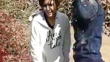 Desi Indian Teen Girl Caught fucking in fields