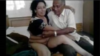 Telugu Aunty Having Sex With Old Guy For Money
