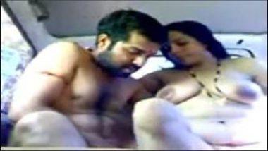 Sexy Marathi Aunty With Heavy Boobs Banged Inside Car