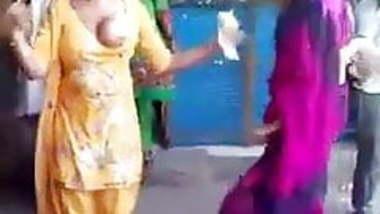 indian nudity in public