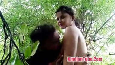 Desi Indian girl blowjob in jungle