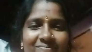Tamil horny aunty showing her boobs with audio