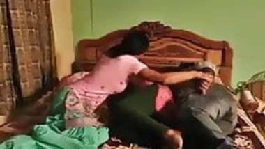 desi hot couple romance while wife wearing nighty