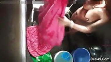 Hot Southindian Girl doing BJ to her BF in CAR